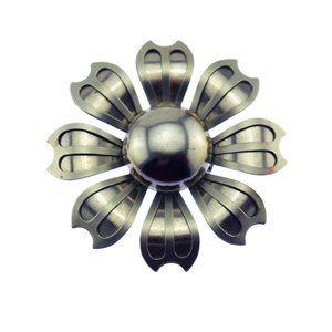 Silver Daisy Flower Brooch